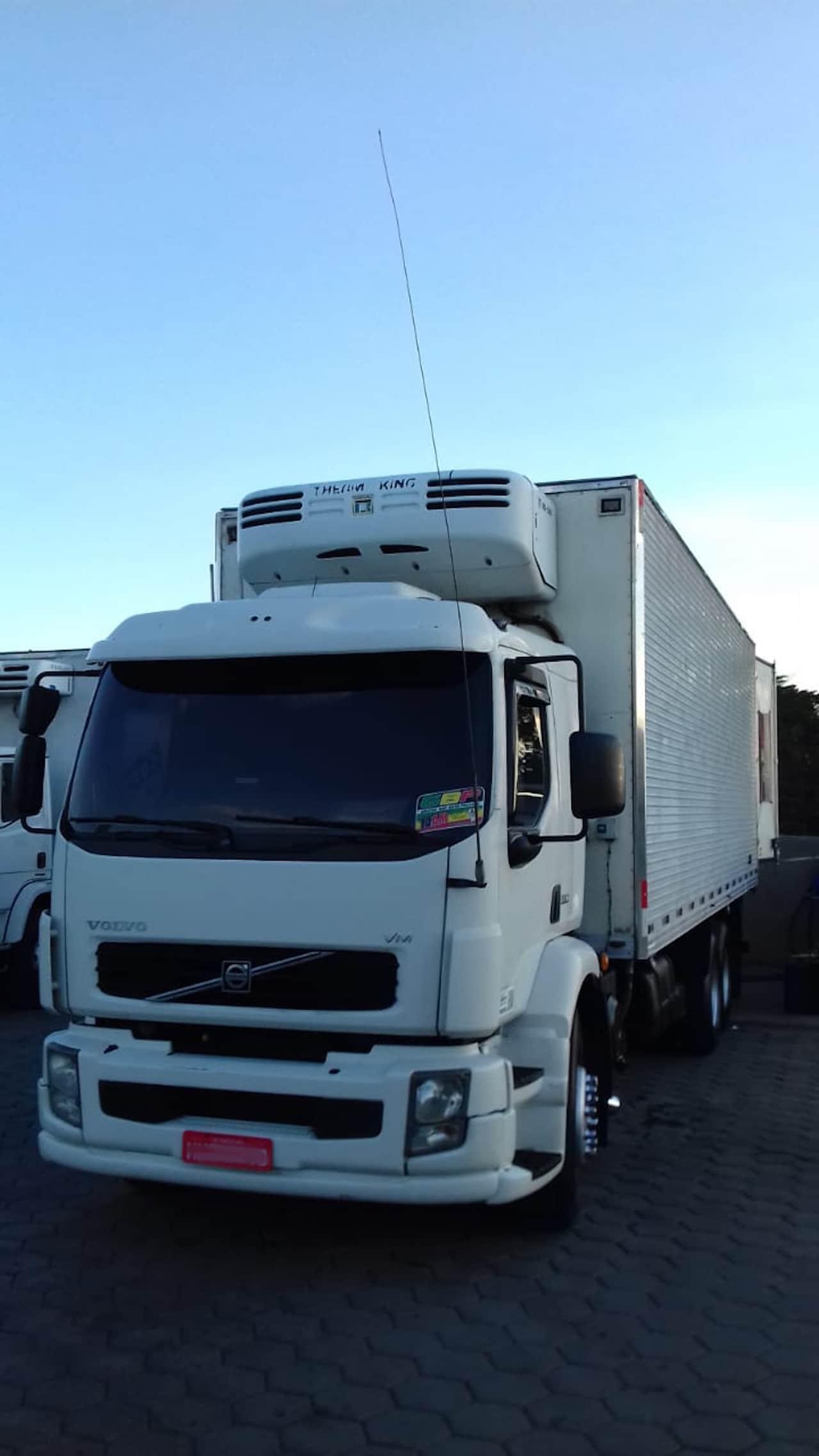 Foto caminhão branco